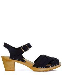 leon-harper-stockholm-clog-black-outfit-16-2004579-leon-harper-stockholm-clog-blk-4_500w